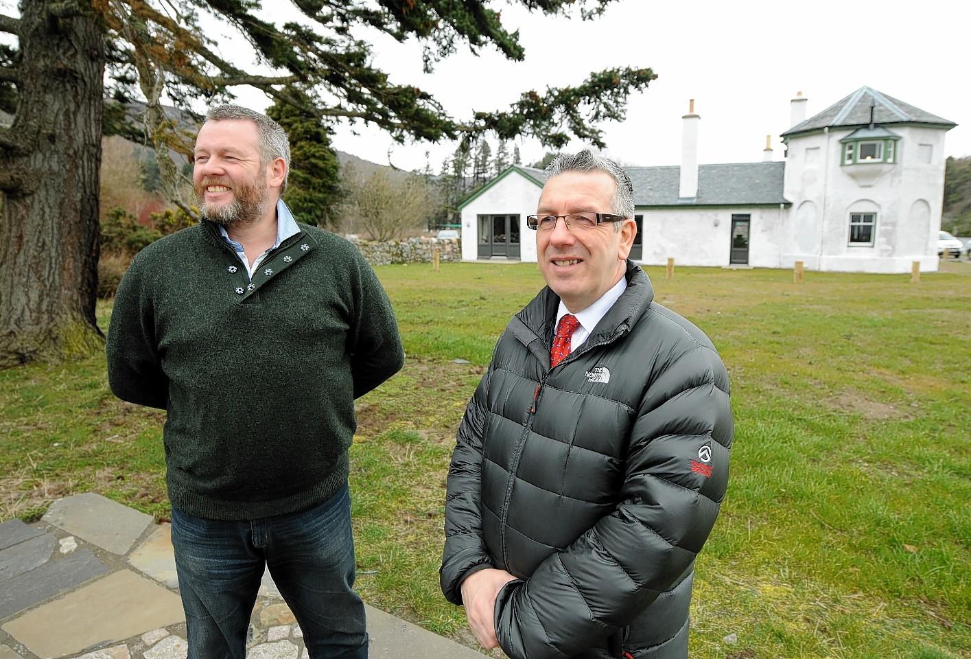 Mark Smith and David Stewart at Bona Lighthouse