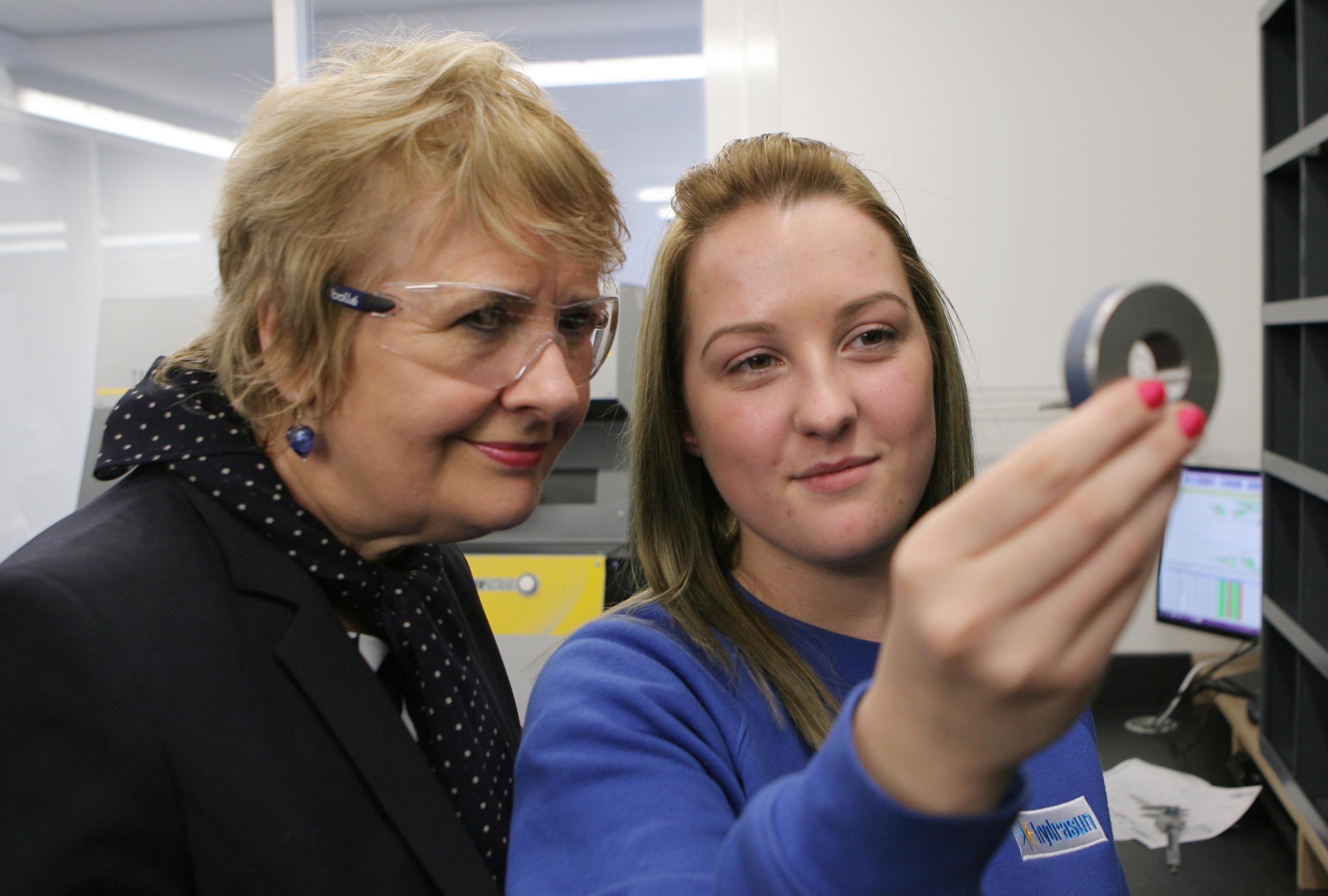 Roseanna Cunningham, left, alongside Hydrasun inspection trainee Megan Grant