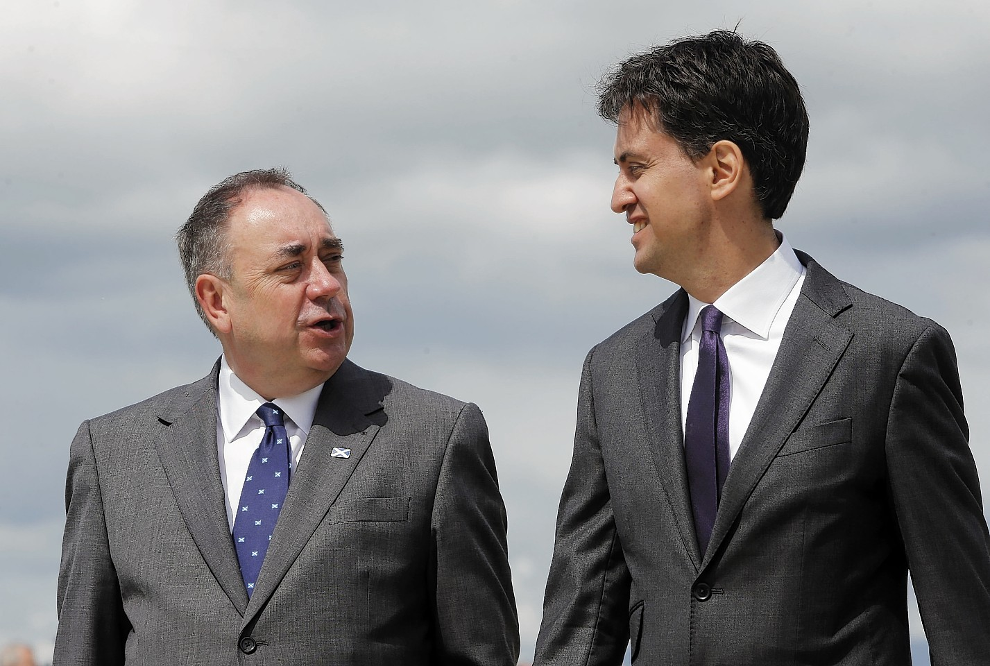 David Cameron says Ed Miliband wants to crawl to power in Alex Salmond's pocket