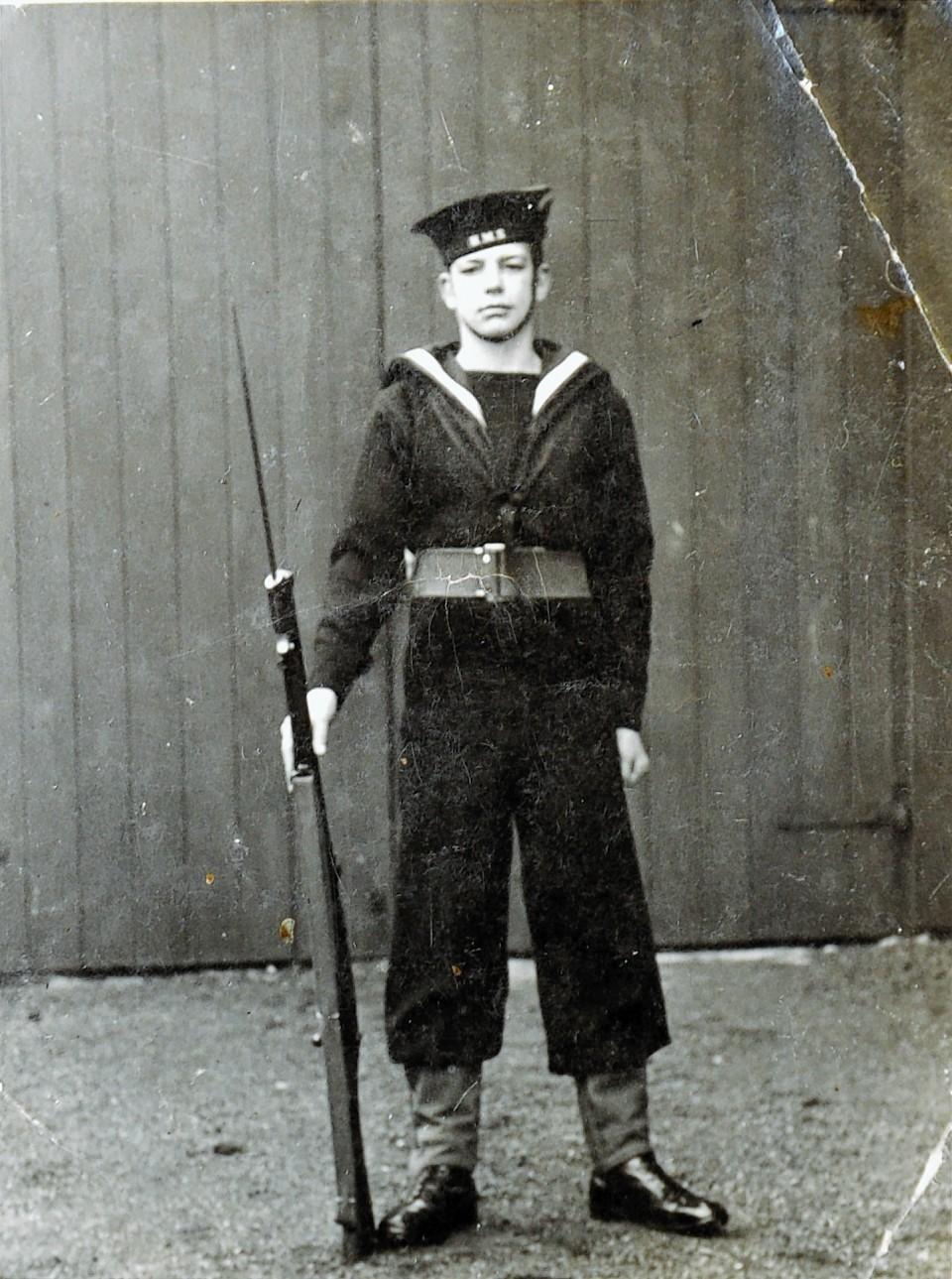 Arctic Convoy veteran, Bob Owen, as a boy sailor in 1941