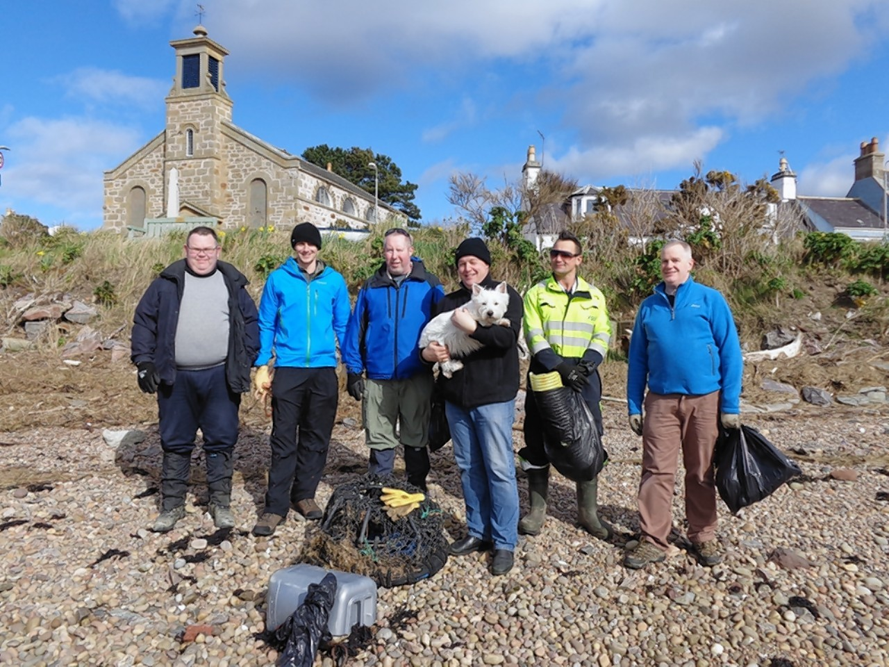 Bonny the dog took part in a UK wide initiative to clear the country's beaches of litter