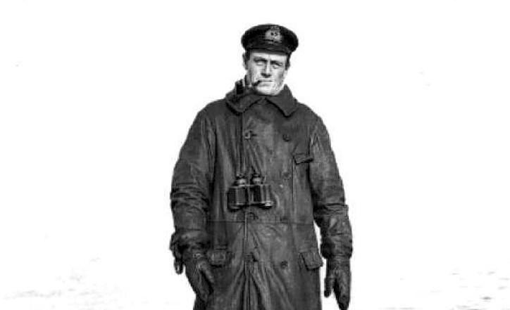 Lieutenant-Commander Martin Nasmith on his submarine E11 in 1915
