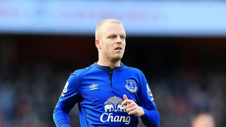 Steven Naismith looks like he will be staying at Everton