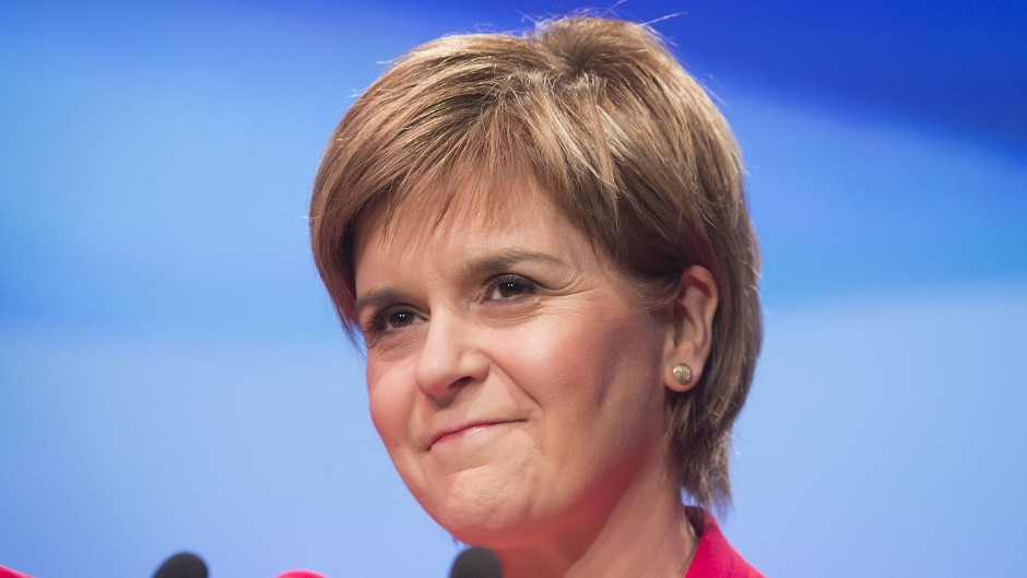 First Minister Nicola Sturgeon told rank-and-file police officers she has confidence in Chief Constable Sir Stephen House.