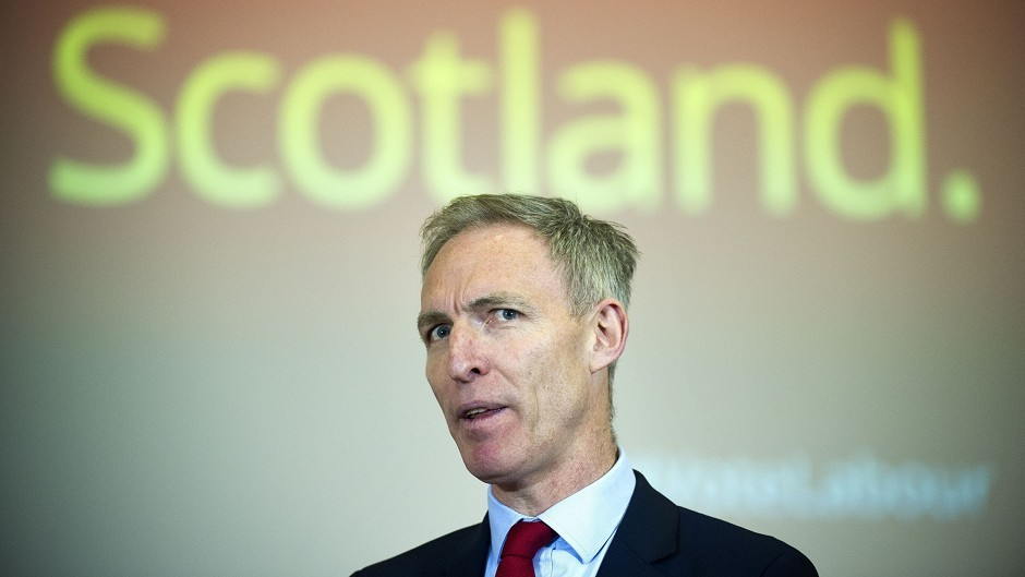 "Jim Murphy challenged the SNP to ""stand up to the vested interests"" of the energy companies"