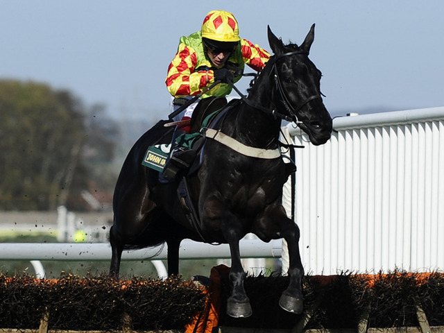 Saint Are races to victory on a previous outing at Aintree