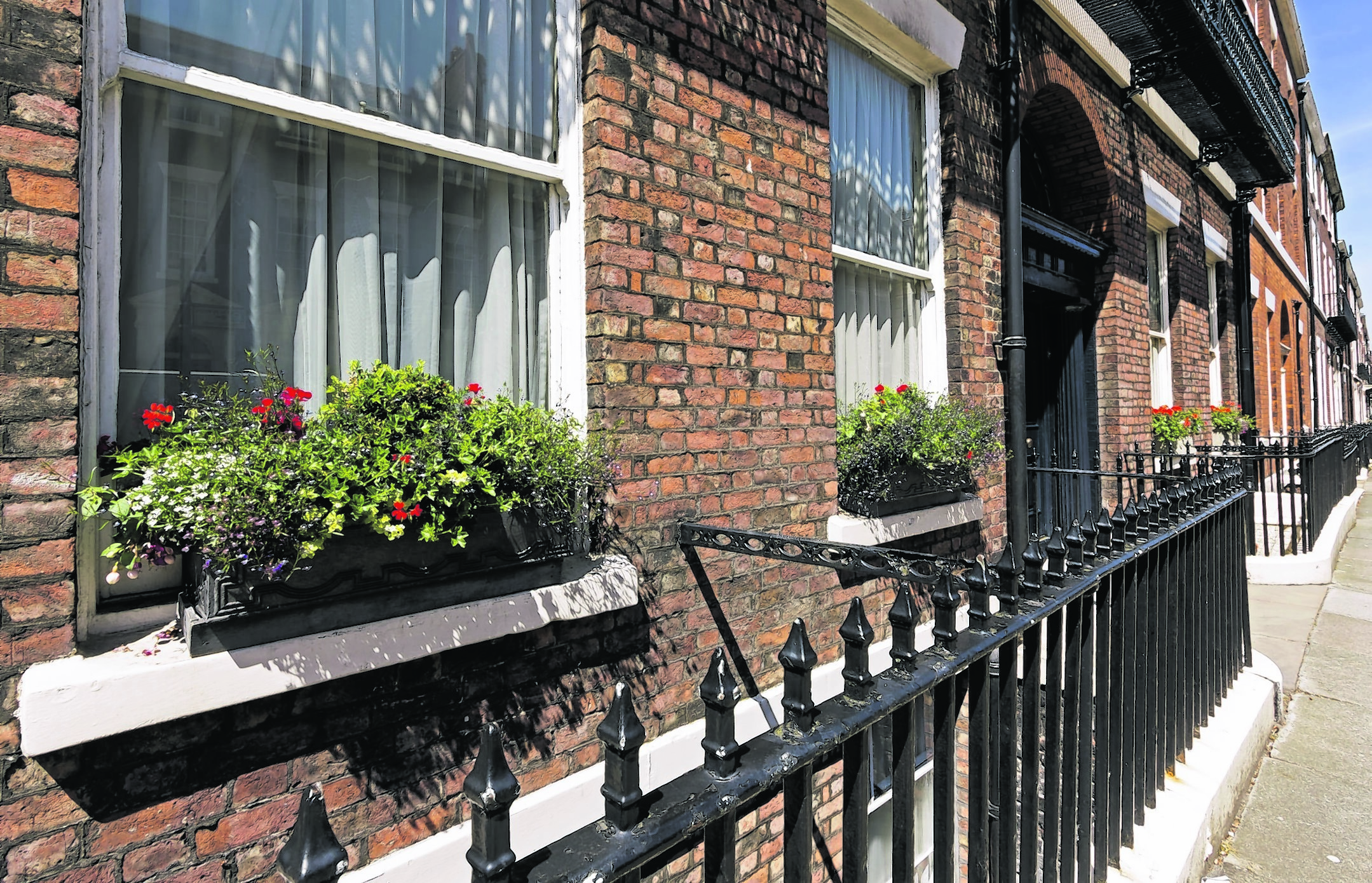 HOMES Fronts 094332