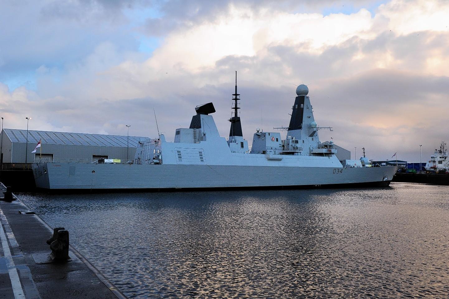 Aberdeen-Harbour-ships-19