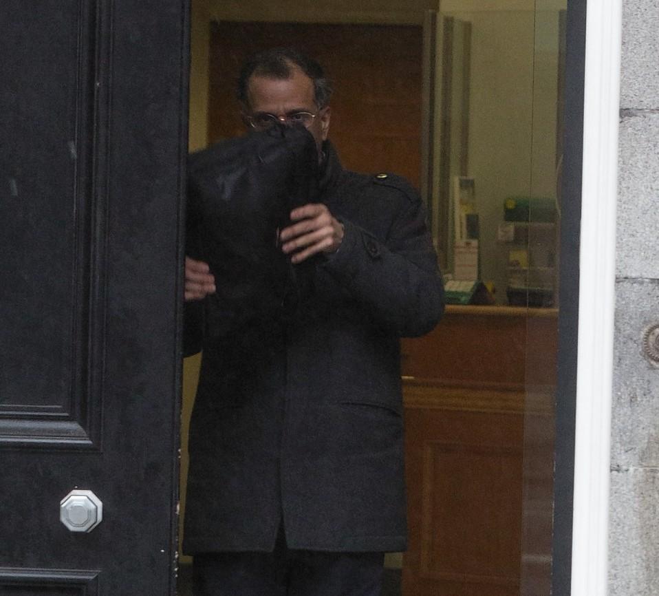VIspy Bamboat outside court