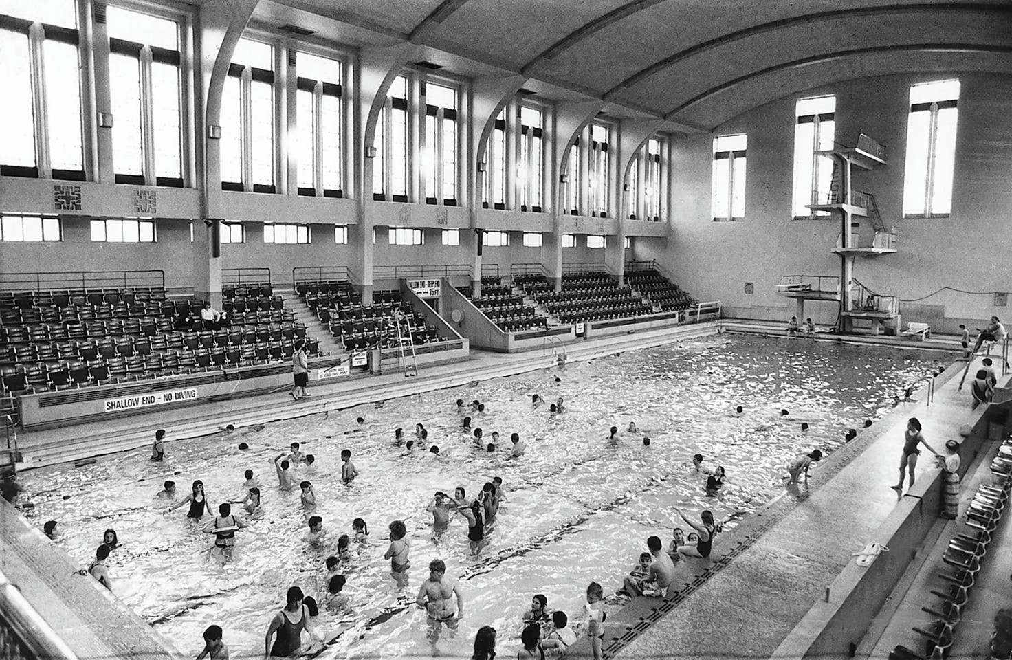The Bon Accord Baths at the height of its popularity
