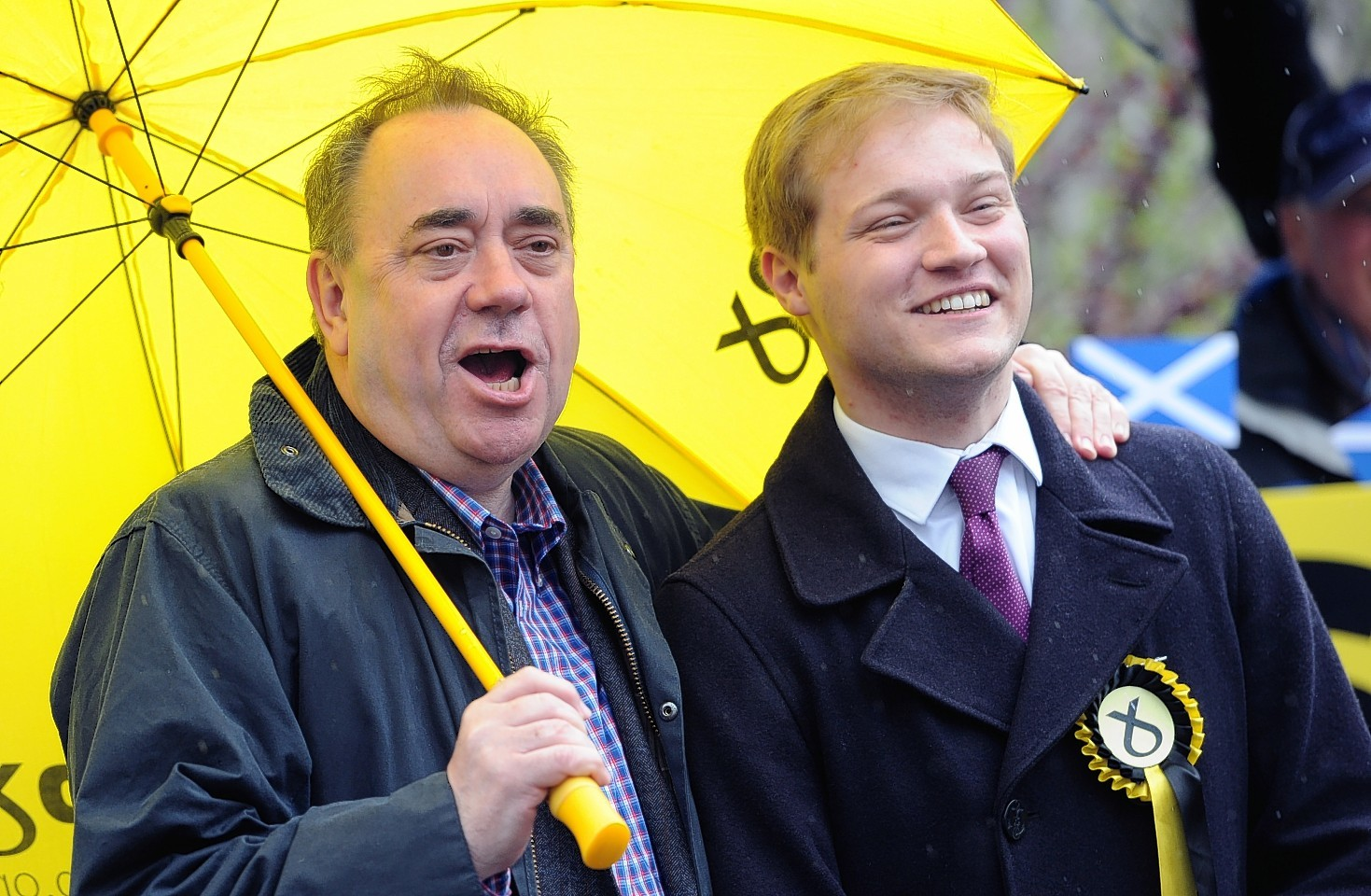 Alex Salmond and Stuart Donaldson on the streets campaigning in Kemnay