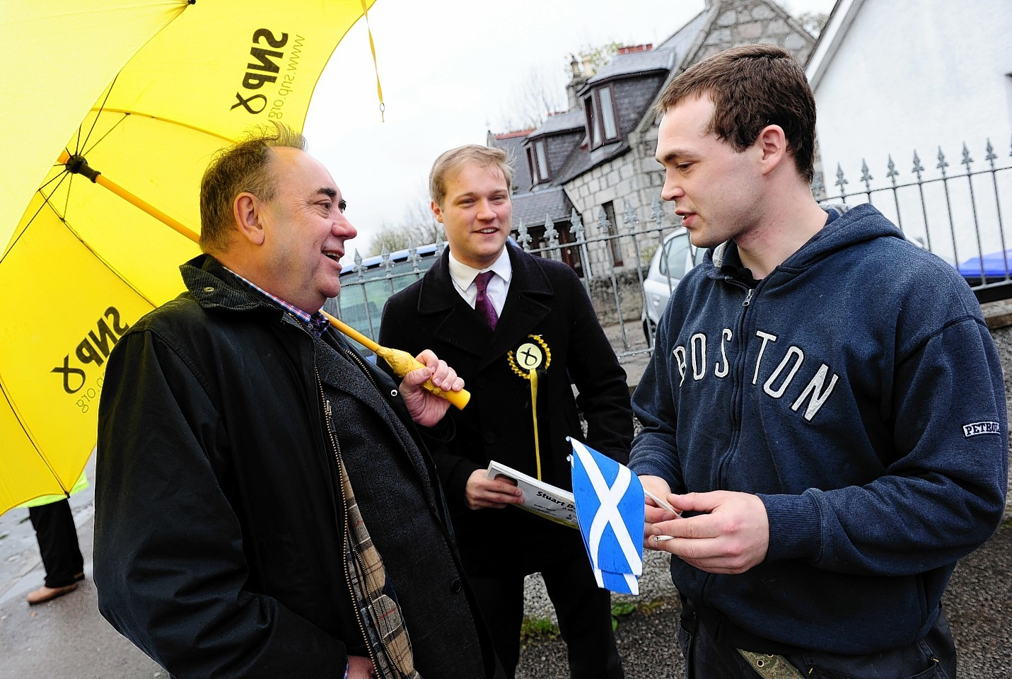 Alex Salmond and Stuart Donaldson are out together on the streets campaigning in Kemnay
