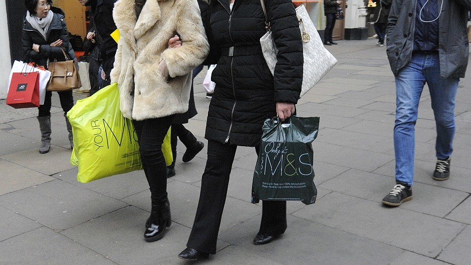 Scottish shoppers are continuing to benefit from falling prices, but cost pressures are building, the Scottish Retail Consortium has warned.