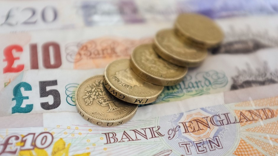 Small firms are being let down by the accelerating closure of local bank branches, the FSB has warned.