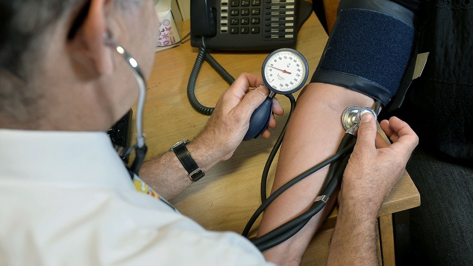 GPs are retiring early or going part-time, according to Scottish Lib Dem leader Willie Rennie.