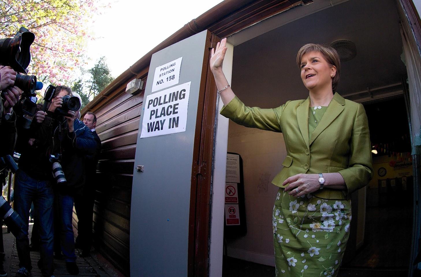 Nicola Sturgeon casts vote at Broomhouse Community Hall