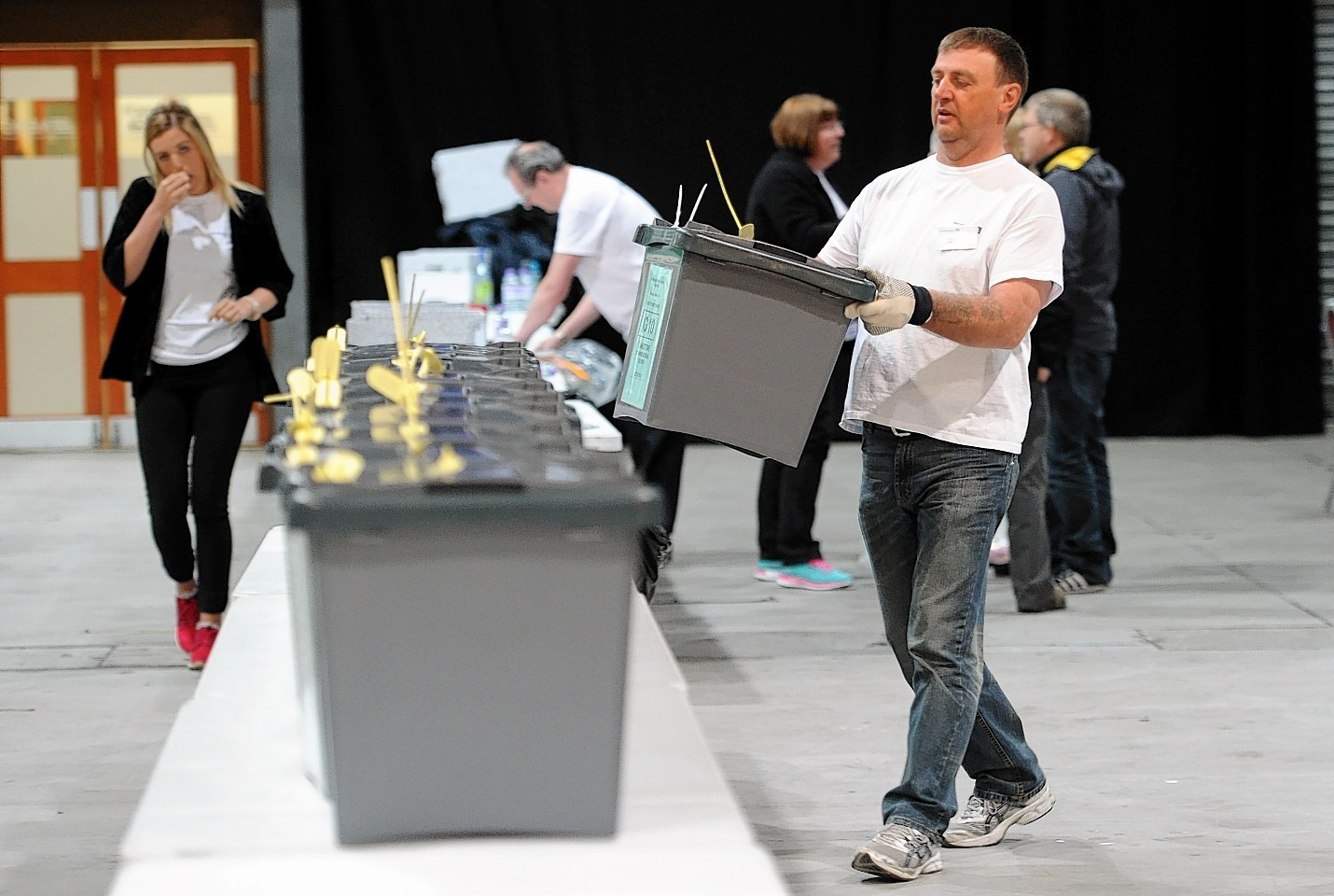 The first ballot boxes from Gordon arrive and are distributed at the AECC