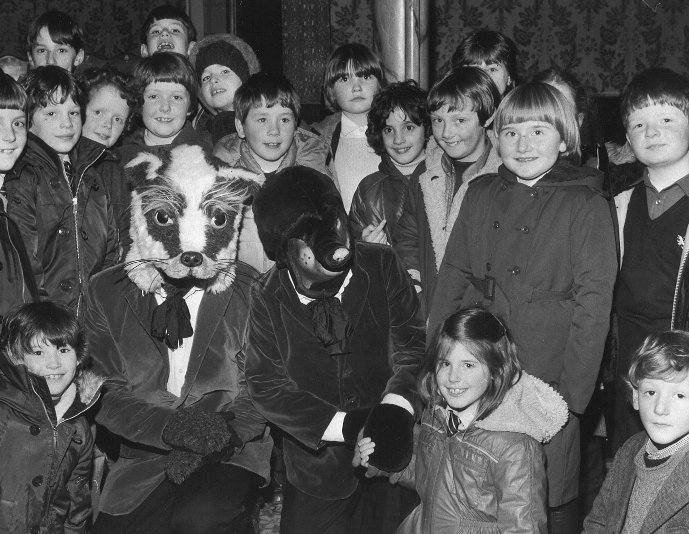 Pupils from New Deer Primary meet the cast of Wind in the Willows in 1984