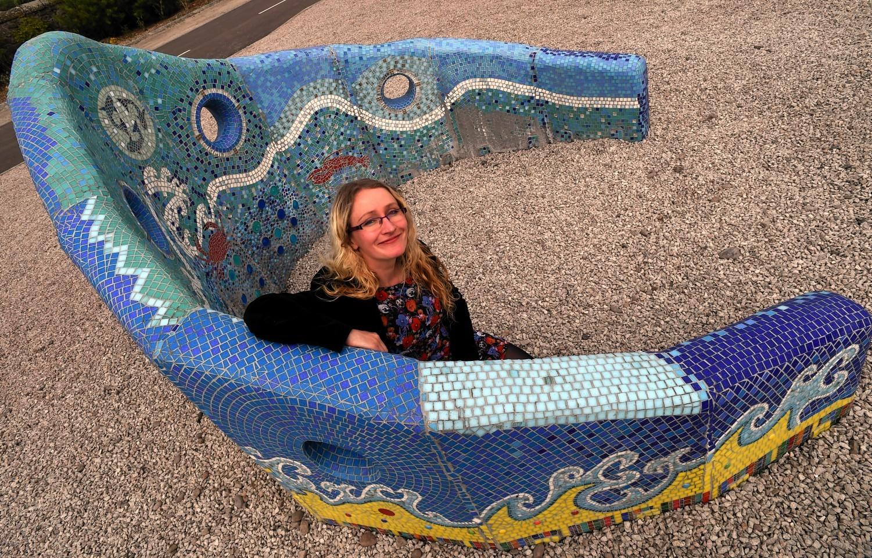 Artist Debbie Ryan with crown sculpture unveiled in Inverbervie