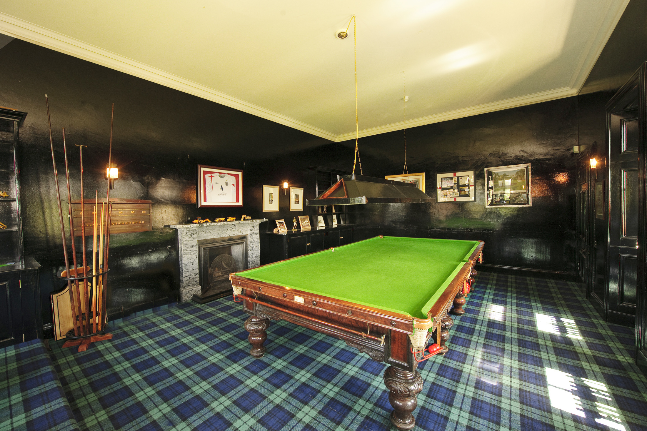 DSC_0912 The Snooker room in main House MEDIUM