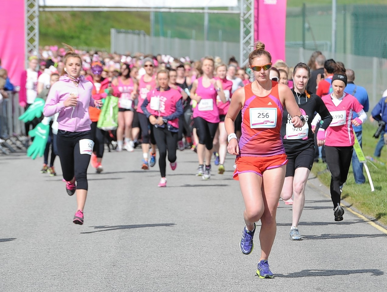 Thousands of women take part in Race for Life Aberdeen