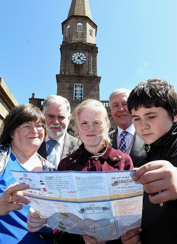 Peterhead Academy pupils with Anne Allan, Stuart Pratt and Hamish Vernal