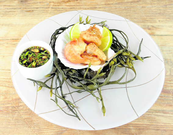 Scallops in G&T batter with chilli dipping sauce