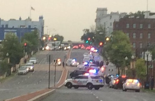 A picture uploaded to Twitter by a bystander in Washington. Picture credit, Twitter user @PJElliottRadio