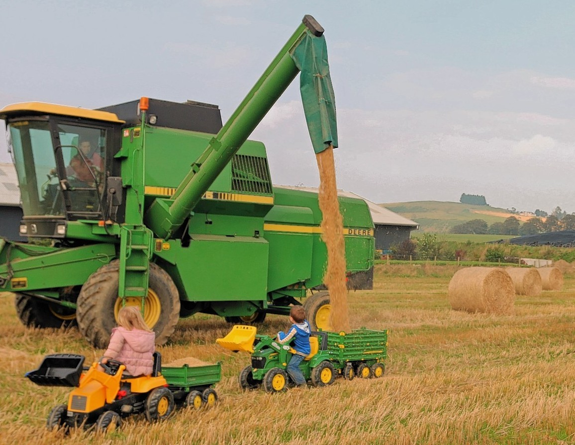 Louise Glass' winning image of Harvest 2014