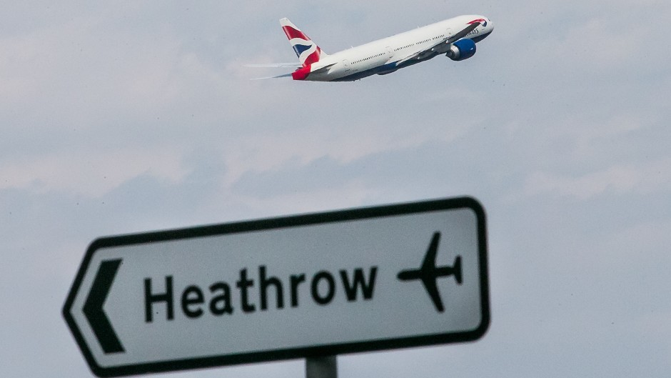 The Airports Commission recommended that a new runway is built at Heathrow to improve air capacity
