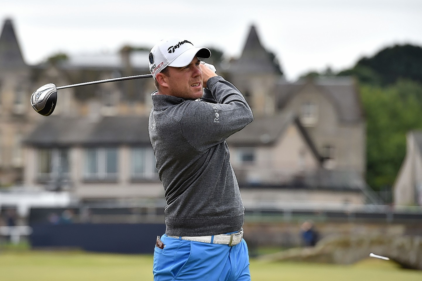 Richie Ramsay tees off at the Open Championship 2015 at St Andrews. Photo by David Davies/PA Wire.