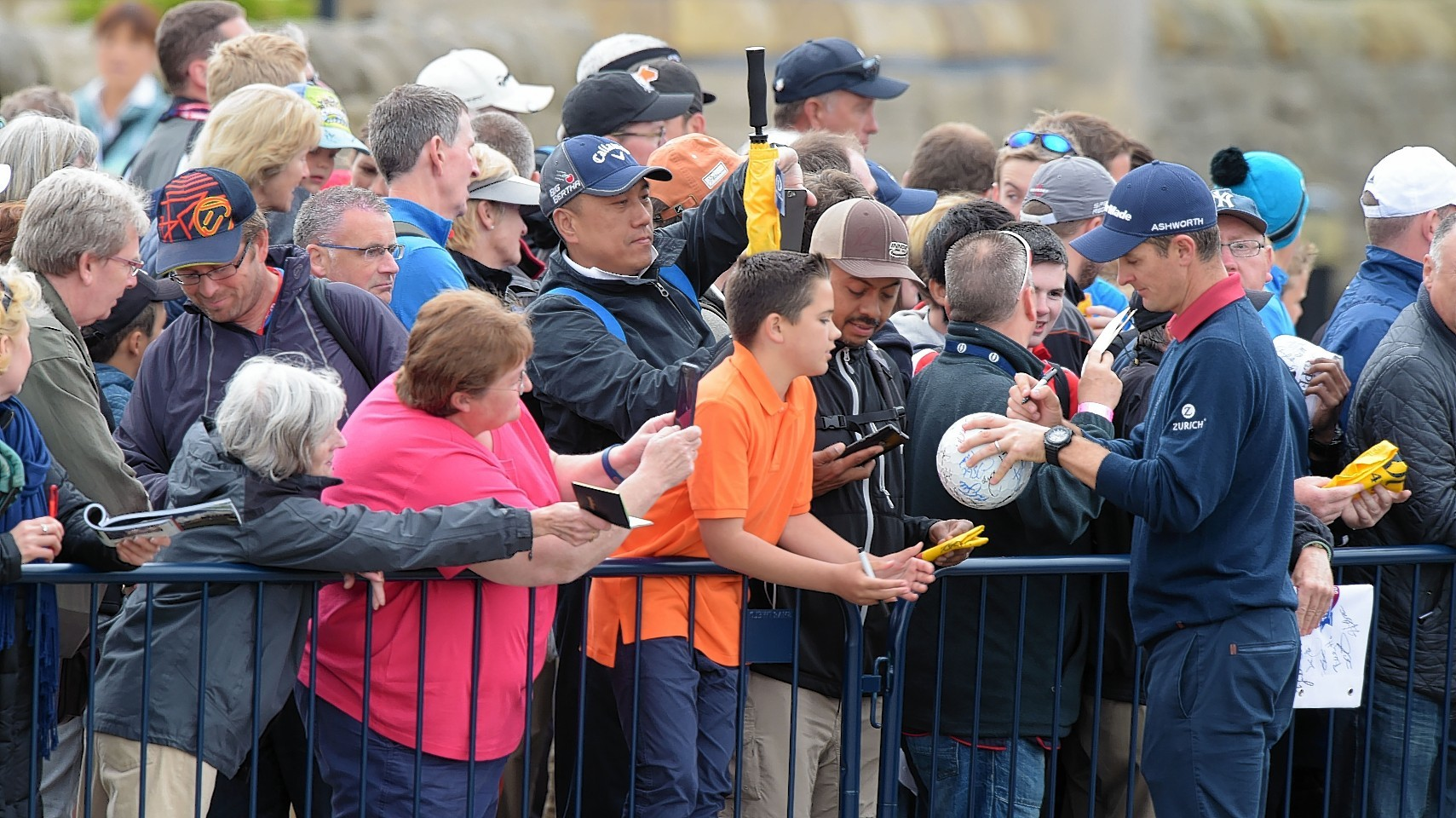 Justin Rose meets supporters