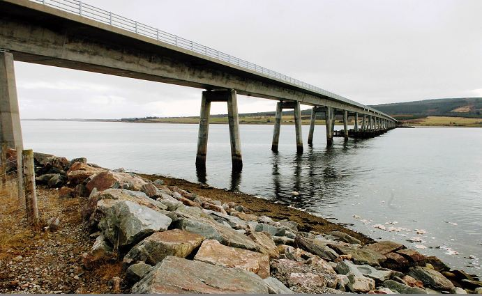 The A9 Dornoch Bridge will be closed to high sided vehicles tomorrow from 9am.