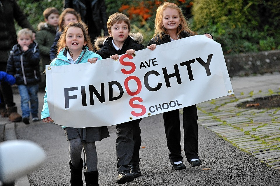 Young members of the Keep Findochty Primary School open action group march to Moray Council.