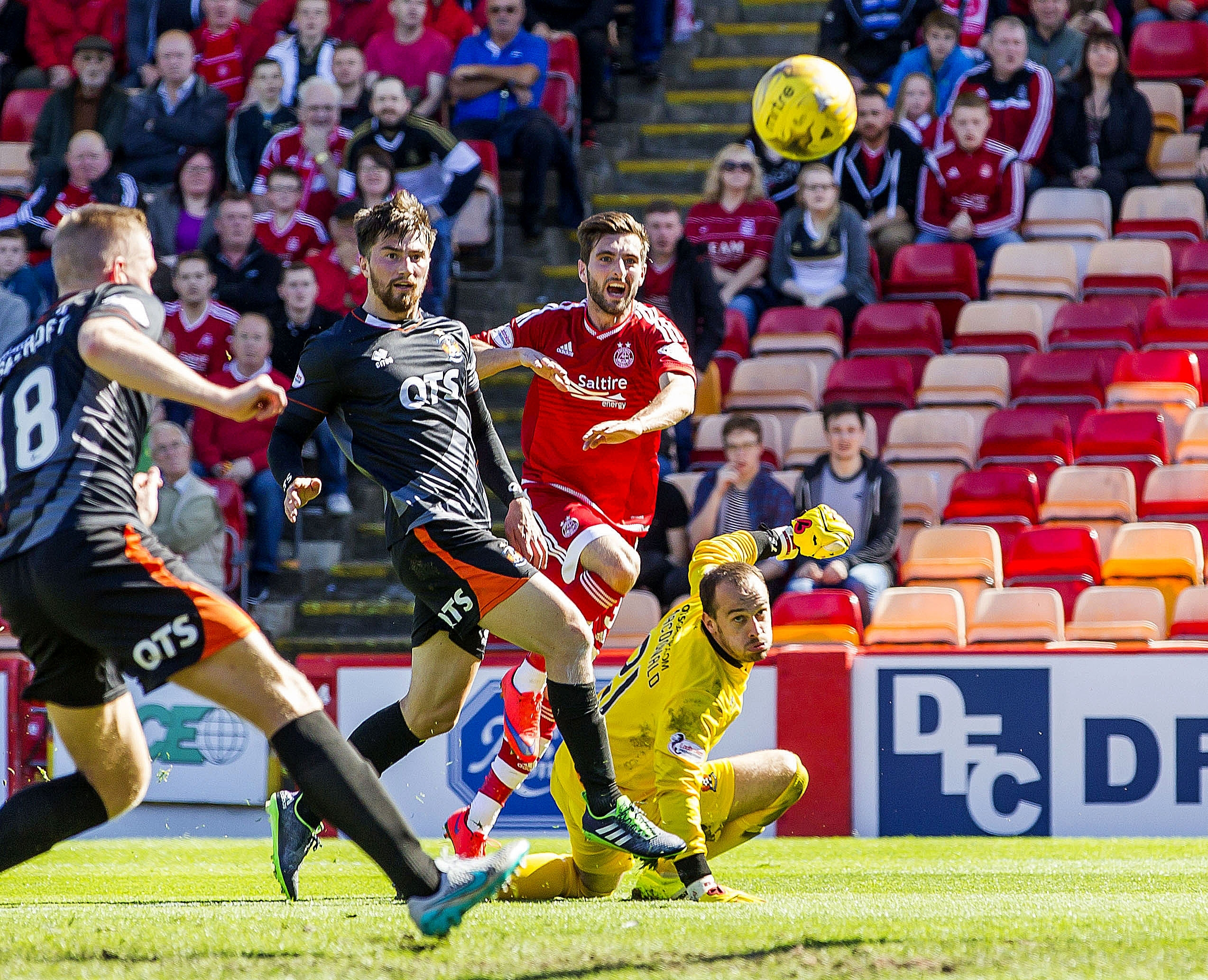 Graeme Shinnie believes the Dons have the firepower to trouble Celtic.