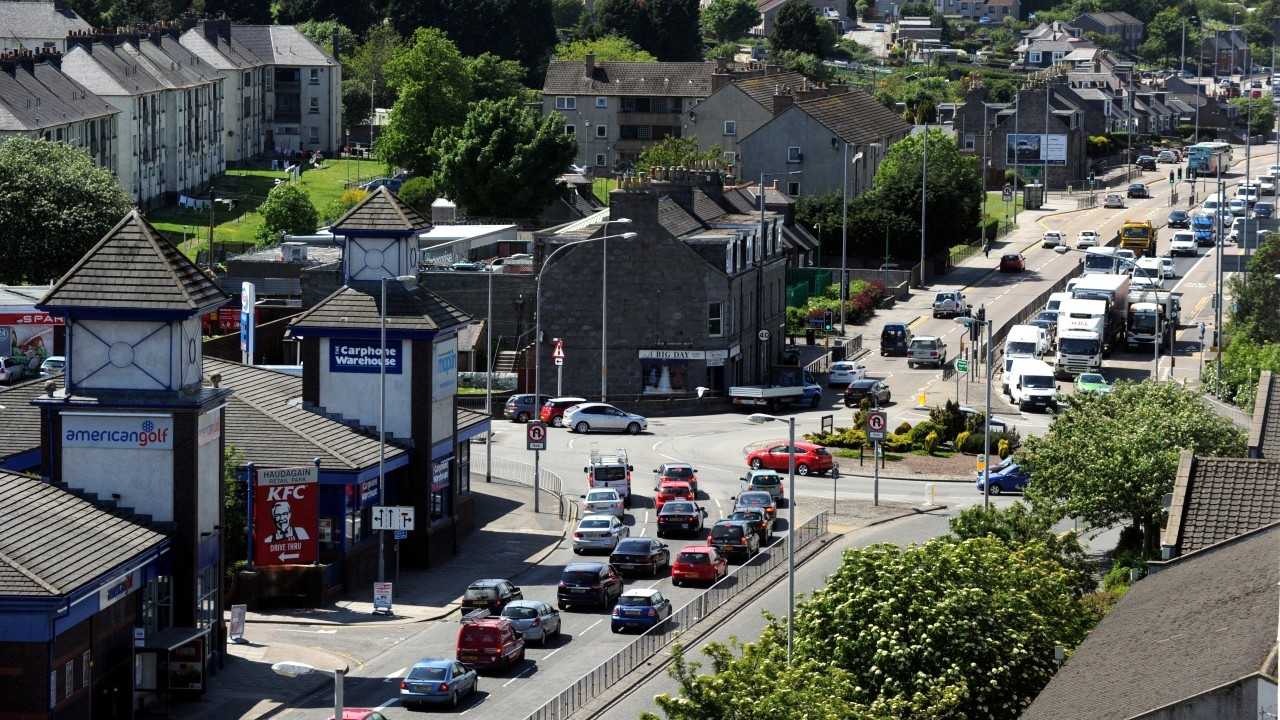 Police are warning of delays of Haudagain roundabout