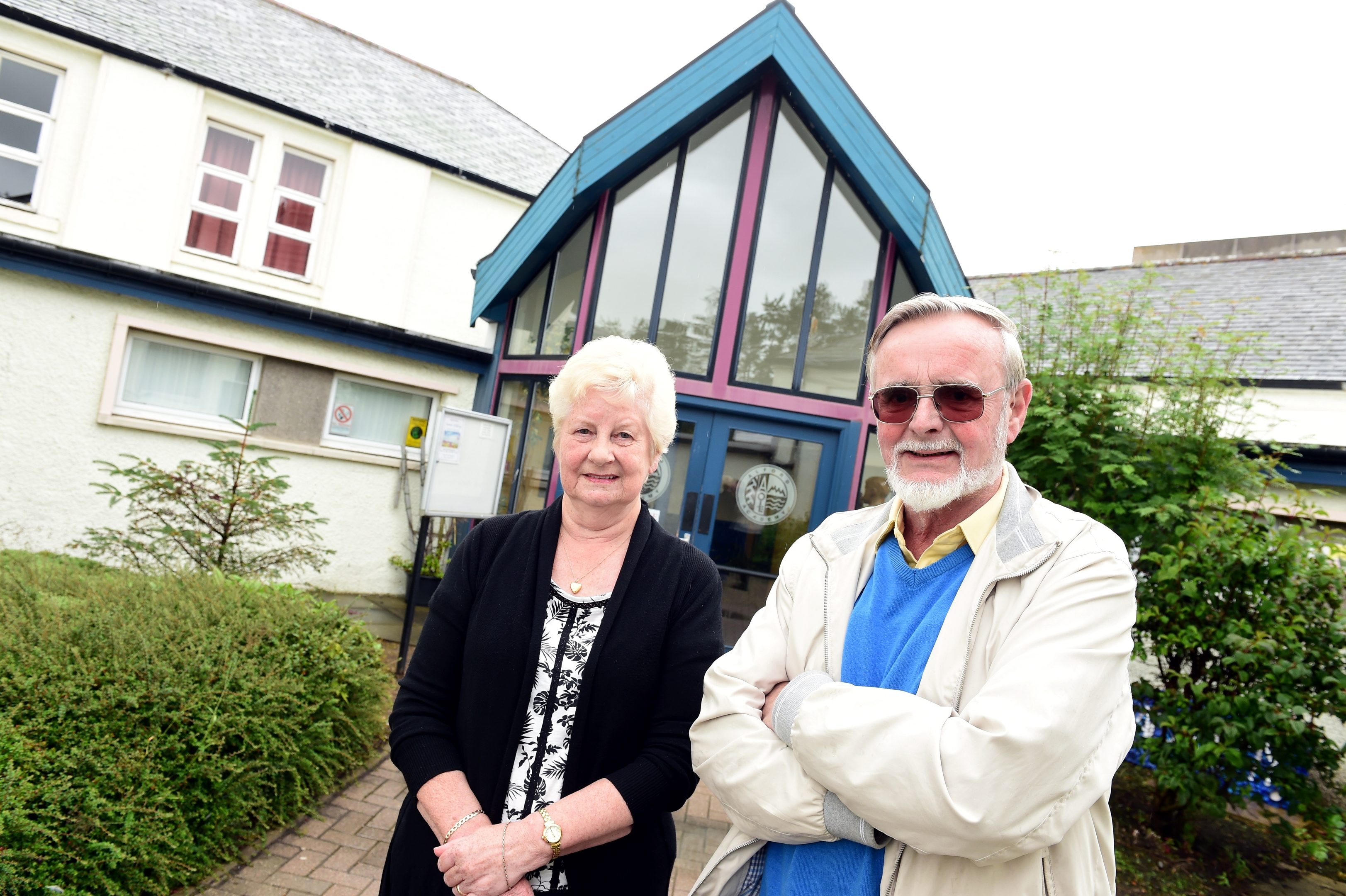 Chriistine Mathers (left) and Mike Barron have made an appeal for the class of 55-56 to get together for a reunion as the old Alford Academy prepares to close it's doors for good.       Picture by Kami Thomson    14-08-15