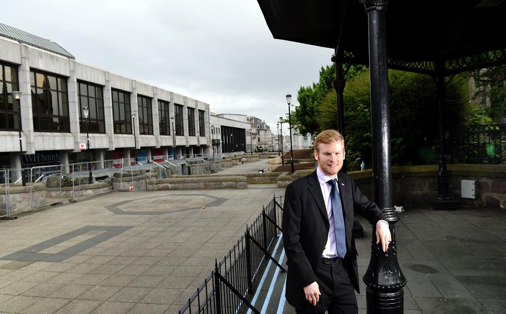 Councillor Ross Grant