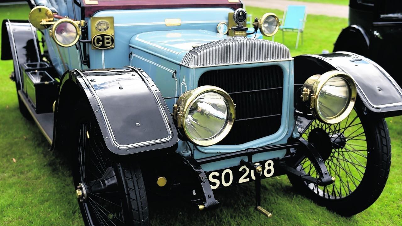 1910 Daimler 15HP.