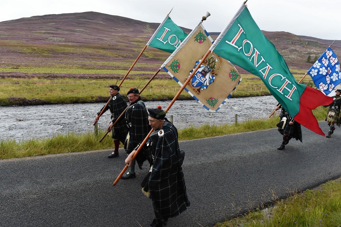 Lonach-Highlanders2