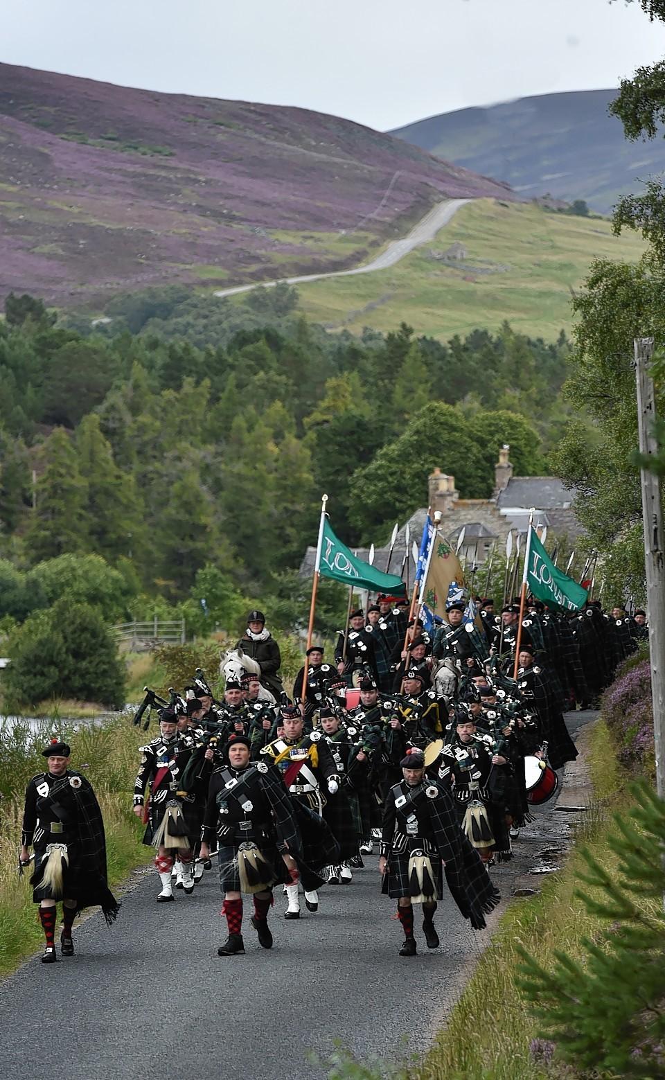 Lonach-Highlanders4