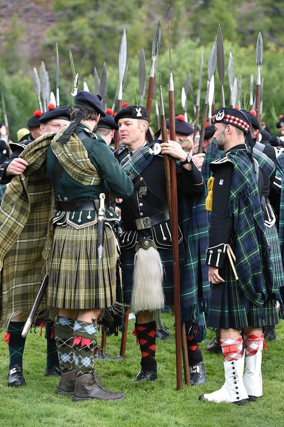 Lonach-Highlanders6
