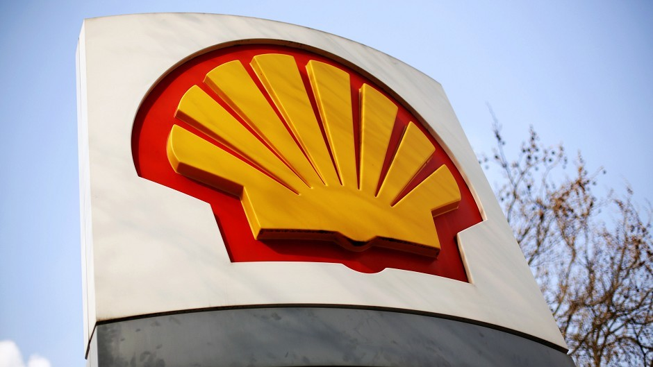 Shell has cancelled all Norwegian flights offshore.