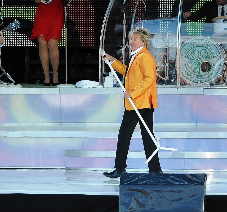 Rod Stewart performing at his 2010 gig in Inverness