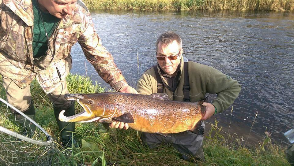 Angler Craig Wyness of Peterhead caught a bite from a bumper 30.5lb Scots salmon in the Deveron River in what was the biggest catch of the season in its waters.