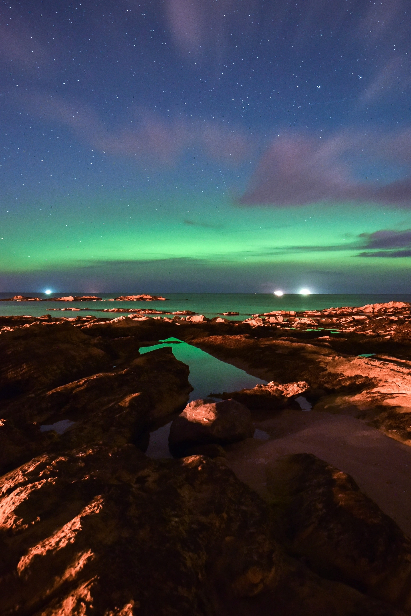 Compose your shot. Remember that the northern lights need scale and context, so include the foreground in your shot. This can be a tree, a building, a car or even just the horizon.