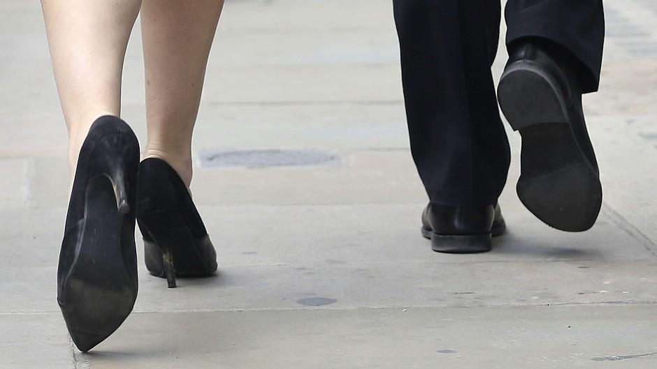 Men earn, on average, around 19.1% more than women