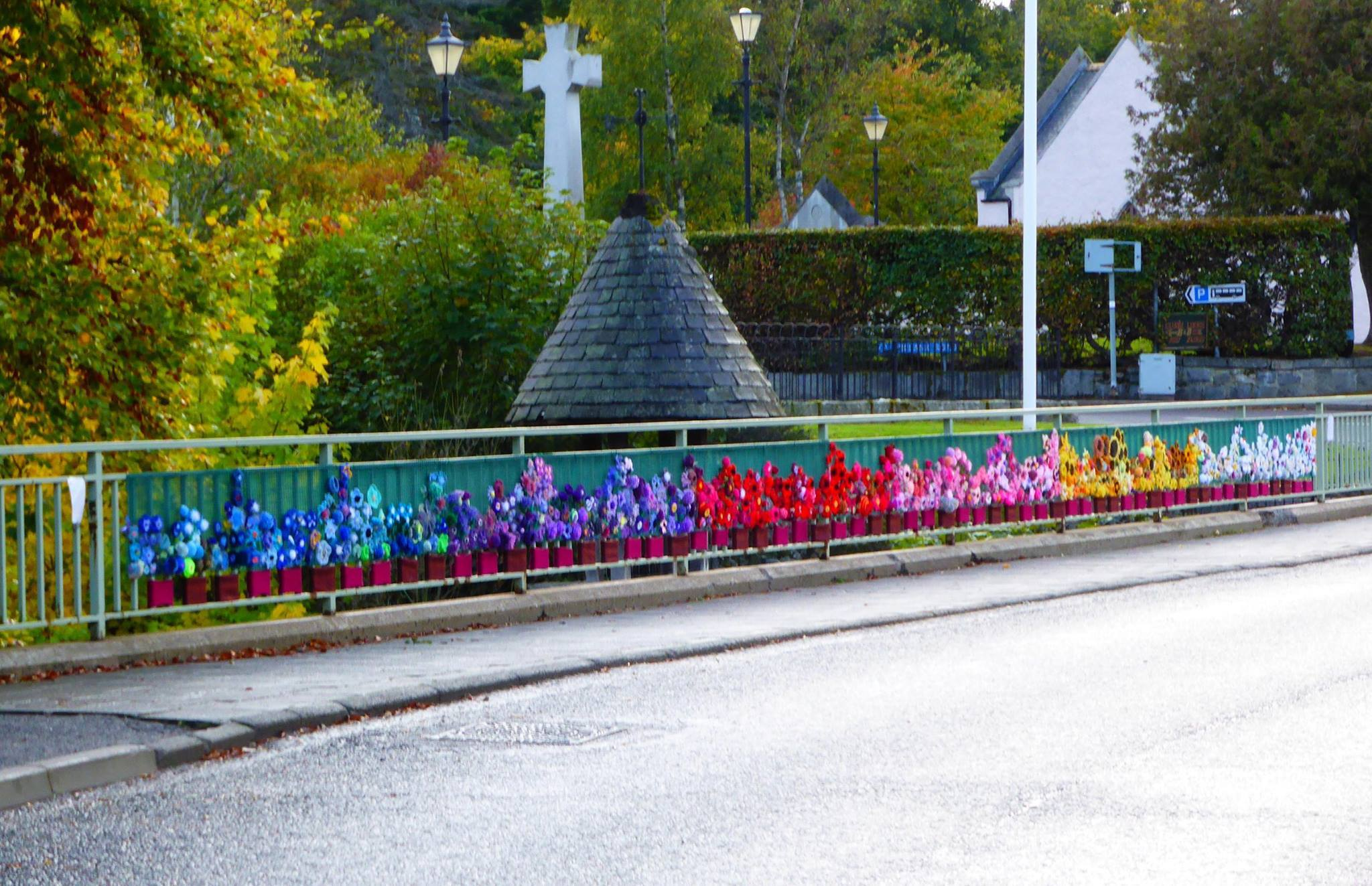 The Braemar Bridge decorated by the Deeisde Knitwits