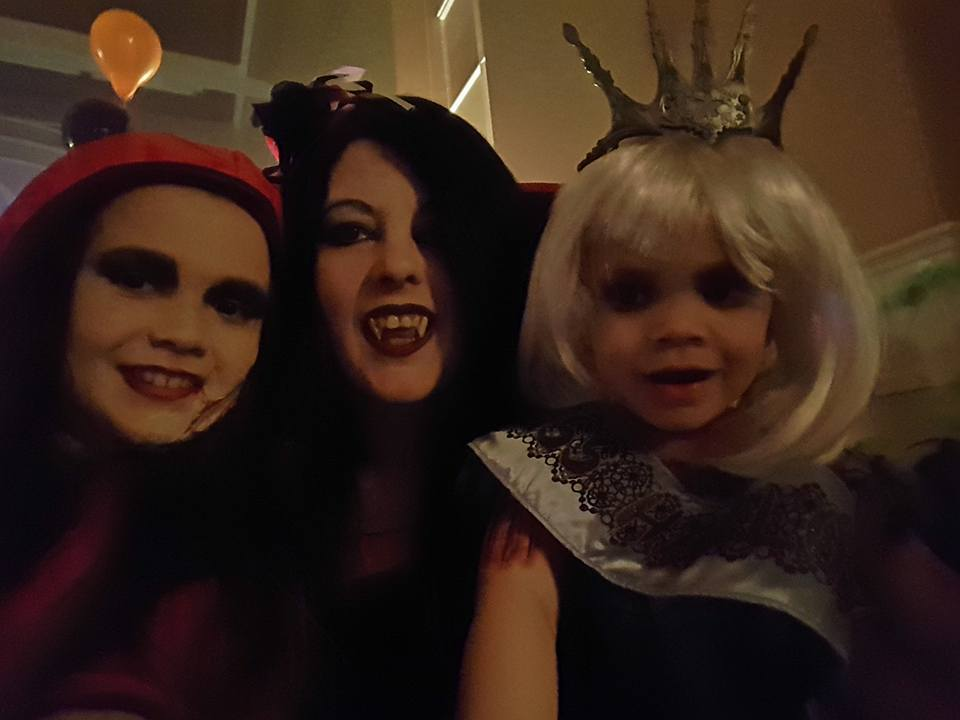 Cerys Paterson, Gail Paterson and Eileidh Paterson
