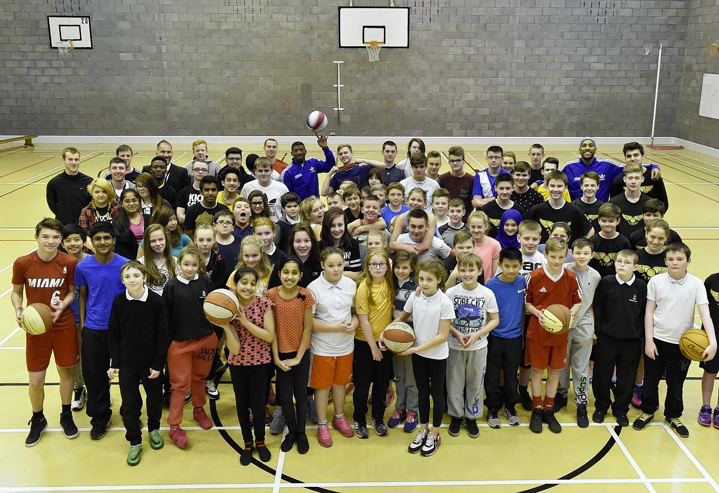 Buckets Blade and Zeus McClurkin with the St Machar Academy pupils.   Picture and video by Colin Rennie